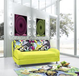 Năm nay, màu sắc của sofa giường có phần táo bạo hơn rất nhiều