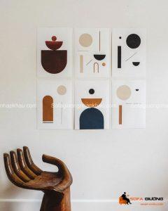 Các bức tranh treo tường với các chủ đề khác nhau mang các thông điệp khác nhau, nhưng đều làm đẹp cho ngôi nhà của chúng ta