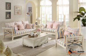 Vừa cổ điển vừa mới ẻ, đó chính là những chiếc ghế sofa tân cổ điển