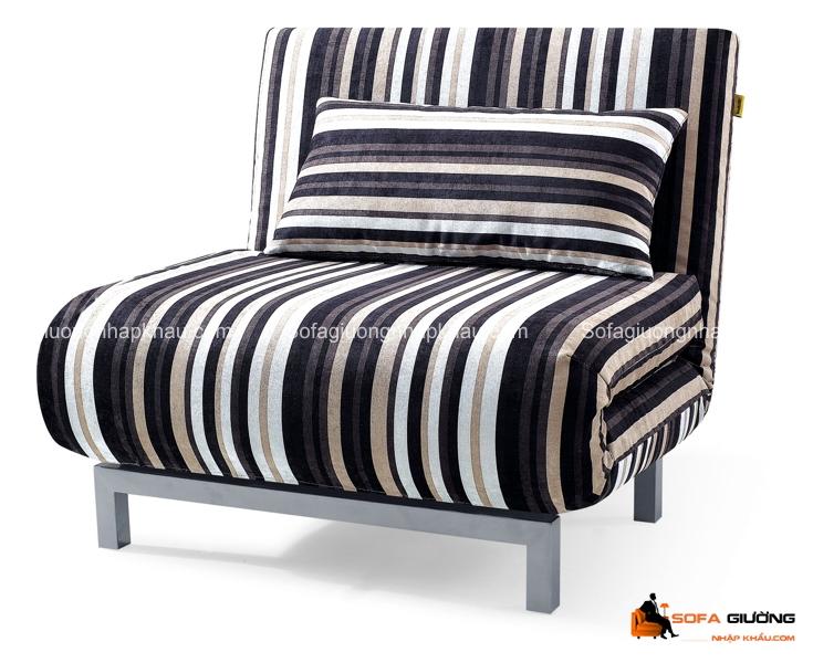Ghế sofa giường kẻ sọc màu trắng đen đầy ấn tượng và cuốn hút