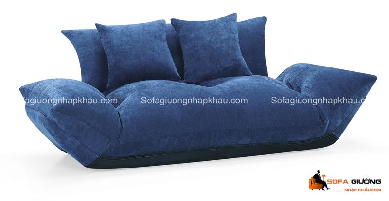 Chiếc sofa giường kiểu dáng bệt cũng rất lạ mắt và độc đáo, phù hợp với những gia đình có trẻ nhỏ